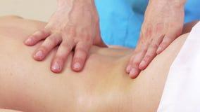 El masaje da las partes posteriores metrajes