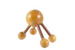 El masaje de madera de la bola para alivia puntos del dolor que la trayectoria de recortes incluye Foto de archivo