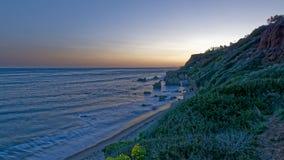 EL Matador State Beach, Malibu, California ad alba immagine stock libera da diritti