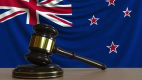 El mazo y el bloque del juez contra la bandera de Nueva Zelanda Animación conceptual de la corte ilustración del vector