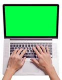 El mecanografiar de la mano del hombre Fotografía de archivo libre de regalías