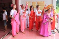 El medio de alcohol de la deidad del Ne ZhaNa-zha ruega para dios Imagenes de archivo