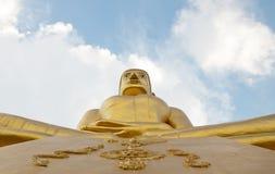 El meditar de oro grande de Buda Imagen de archivo libre de regalías