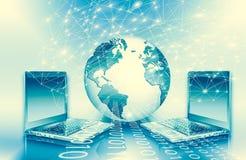 El mejor concepto del Internet de asunto global de la serie de los conceptos Movilidad del ordenador, comunicación de Internet y  Imagen de archivo libre de regalías