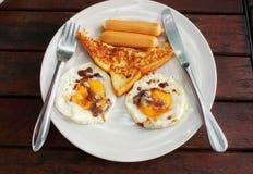 El mejor desayuno en la tabla de madera foto de archivo