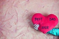 El mejor papá nunca - mande un SMS en corazón rojo fotografía de archivo