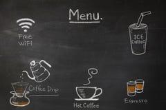El menú del café en la pizarra escribe a mano para la cafetería o el café Imagen de archivo