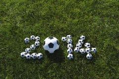 El mensaje para 2014 hizo con los balones de fútbol del fútbol Foto de archivo libre de regalías