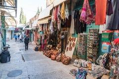 El mercado árabe en la calle de David en la ciudad vieja de Jerusalén, Israel imágenes de archivo libres de regalías