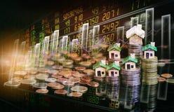 El mercado de acción o el gráfico y la palmatoria comerciales de las divisas trazan conveniente para el concepto de la inversión  foto de archivo libre de regalías