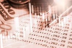 El mercado de acción o el gráfico y la palmatoria comerciales de las divisas trazan el suitab foto de archivo