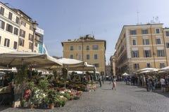 El mercado italiano llamó el campo de flores fotografía de archivo