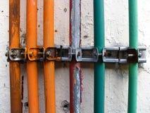 El metal instala tubos la línea Foto de archivo libre de regalías