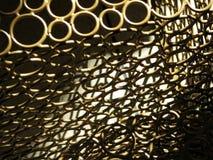 El metal ligero y oscuro de la multiplicidad circunda el fondo del diseñador imagen de archivo