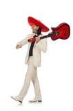 El mexicano divertido en el traje que sostiene la guitarra aislada fotografía de archivo