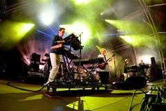El microprocesador caliente (banda de la música electrónica) se realiza en el festival del sonar Foto de archivo libre de regalías