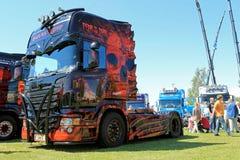 El miedo del camión oscuro de la demostración de Scania Imágenes de archivo libres de regalías