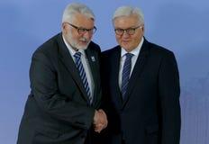 El ministro Dr Frank-Walter Steinmeier acoge con satisfacción a Witold Waszczykowski Fotografía de archivo libre de regalías