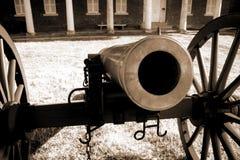 El mirar fijamente abajo del barril de historia Foto de archivo