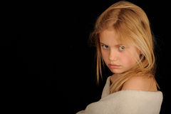 El mirar fijamente de la niña Imagen de archivo