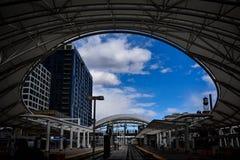 El mirar hacia fuera el cielo foto de archivo