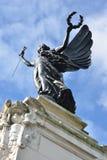 El mirar para arriba el monumento de guerra de Colchester fotos de archivo