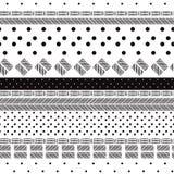 El modelo blanco y negro monótono mezcló geométrico de los lunares stock de ilustración