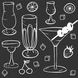 El modelo de los vidrios para los cócteles ilustración del vector