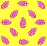 El modelo inconsútil con rosa se va en fondo de papel amarillo Estilo mínimo del arte pop de la moda Concepto del otoño fotografía de archivo