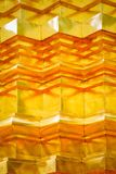 El modelo y la textura del oro stucco técnica en superficie tailandesa de la pagoda Imagenes de archivo