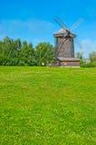 El molino de viento pintoresco en Suzdal Fotografía de archivo