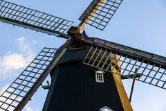 El molino de viento viejo fotos de archivo libres de regalías