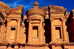 El monasterio (anuncio Deir) en el Petra Imagen de archivo libre de regalías