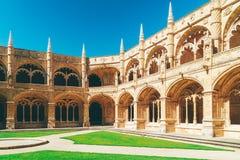 El monasterio de Jeronimos Hieronymites del santo Jerome In Lisbon, Portugal se construye en el ?ltimo estilo g?tico portugu?s de fotos de archivo