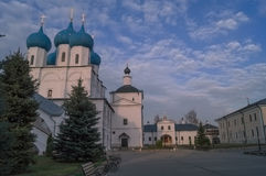 El monasterio del hombre de Vysotsky en Serpukhov, Rusia fotografía de archivo libre de regalías