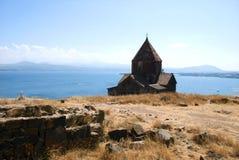 El monasterio o el Sevanavank (iglesia) de la isla en la isla de Sevan, Armenia Foto de archivo libre de regalías