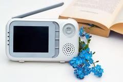 El monitor del bebé del primer para la seguridad del bebé Imagen de archivo