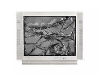 El monitor quebrado de la TV vieja aisló en un fondo blanco imagenes de archivo