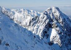 El montaje en Tatras. Foto de archivo