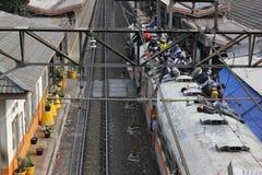 El montar en el tejado del tren Imagen de archivo
