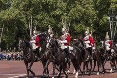 El montar real de los horseguards foto de archivo