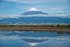El monte Fuji con la reflexión Imágenes de archivo libres de regalías