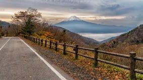 El monte Fuji en la estación del otoño Foto de archivo