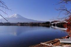 El monte Fuji - un icónico de Japón fotografía de archivo