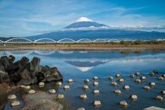 El monte Fuji y reflexión Foto de archivo libre de regalías