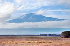 El monte Kilimanjaro imagenes de archivo