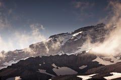 El Monte Rainier en verano fotos de archivo libres de regalías