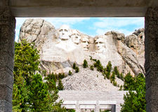 El monte Rushmore en un día nublado Foto de archivo