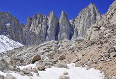 El Monte Whitney, California 14er y punto álgido del estado Fotos de archivo libres de regalías