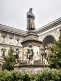 El monumento de Leonardo en la plaza Della Scala, Milán, Italia Fotografía de archivo libre de regalías